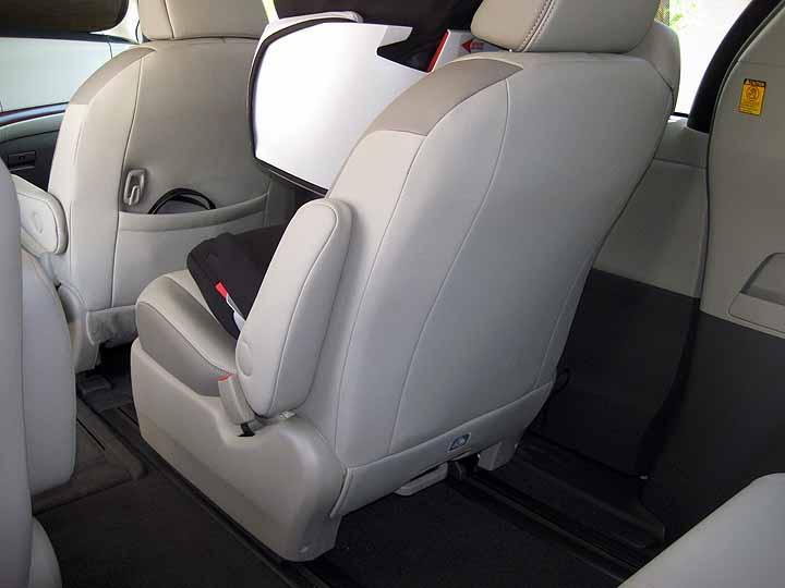 Forward Facing Car Seat In Captains Chair