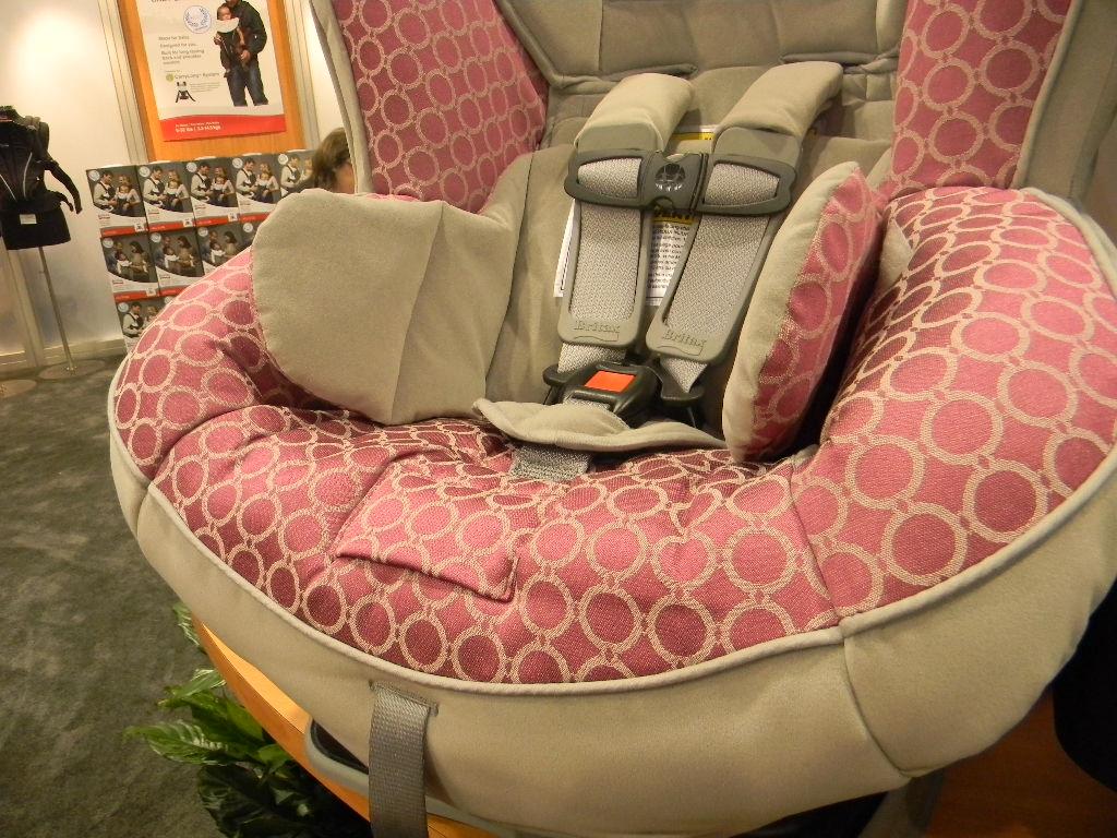 britax boulevard 70 cs. Black Bedroom Furniture Sets. Home Design Ideas