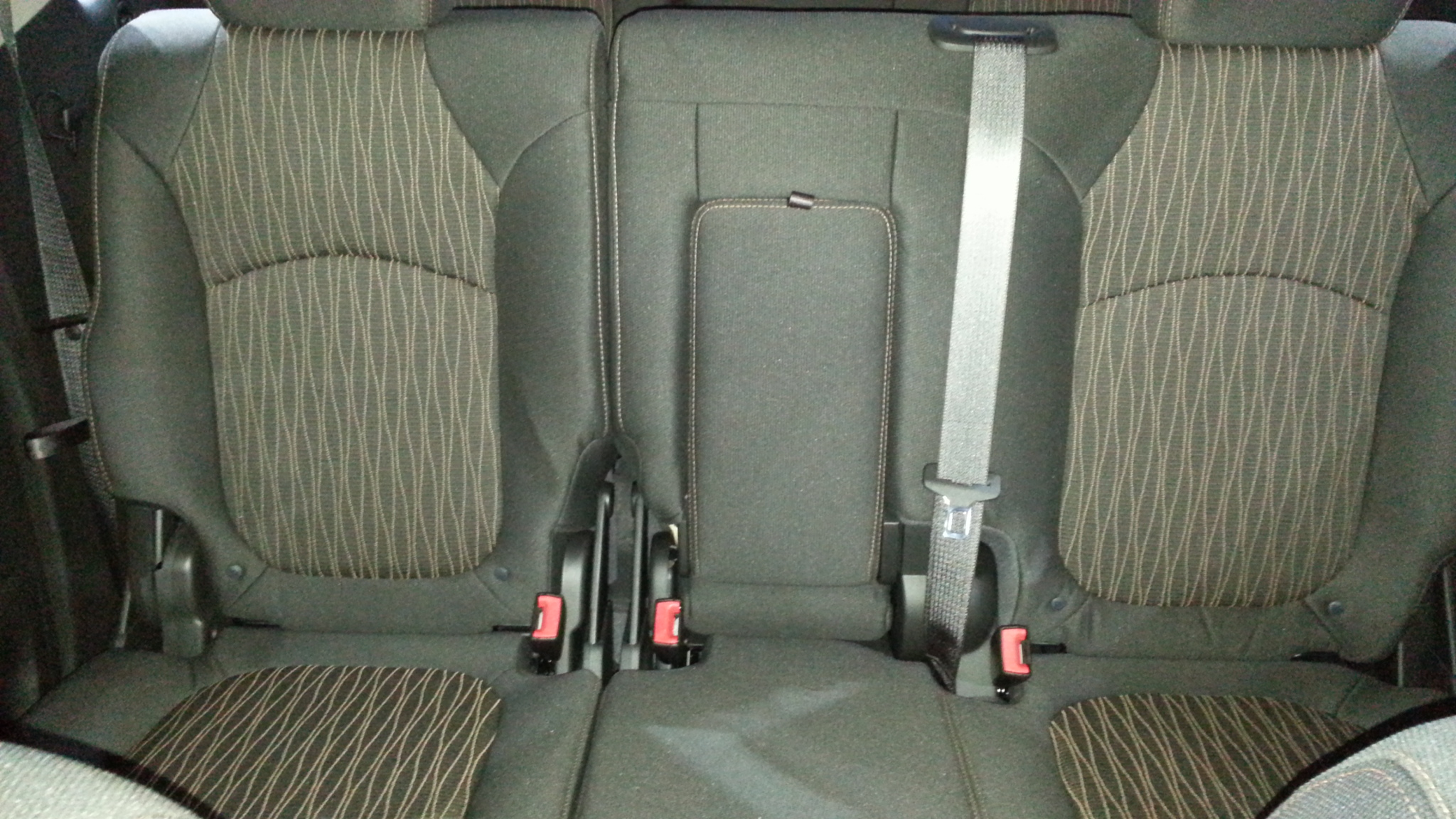 chevy traverse 3rd row seat belt. Black Bedroom Furniture Sets. Home Design Ideas