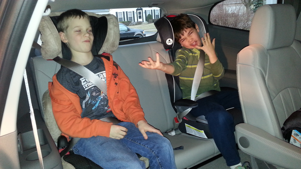 7koBM82iYlw also Advocate Clicktight Convertible Car Seats together with 2013 Chevrolet Traverse Video Review Kids Carseats Safety further Clicktight Harness 2 Booster additionally 2015 Britax G4 1 Convertibles And Clicktight Convertibles  parison. on britax advocate car seat