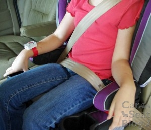 Recaro Performance Booster - lap belt fit