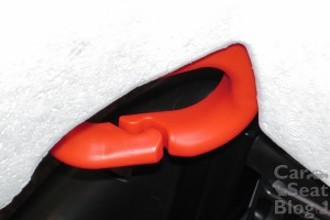 Nautilus shoulder belt guide