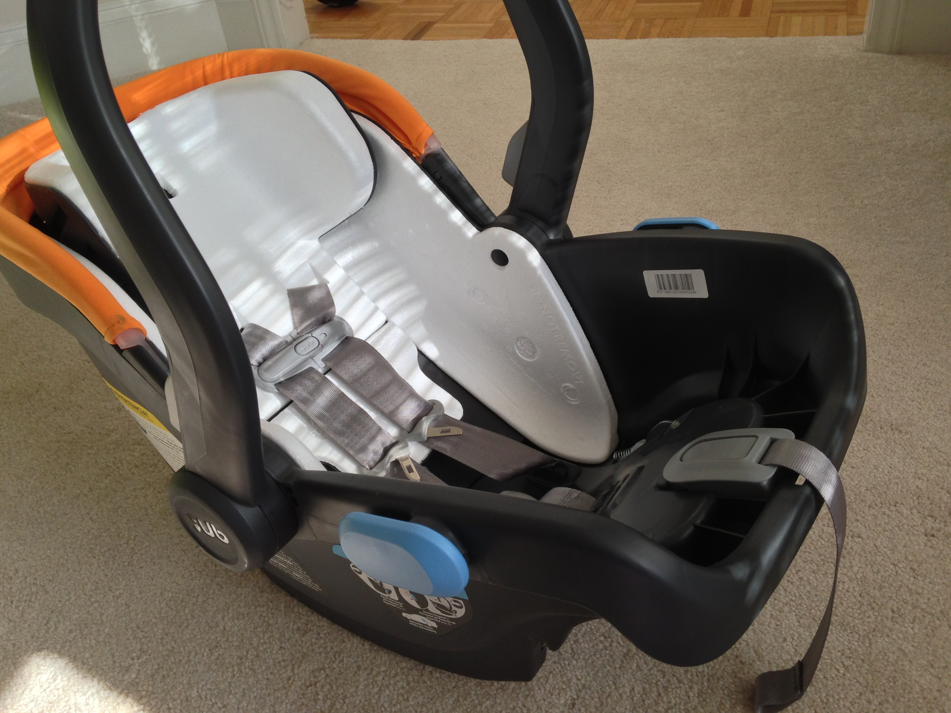 UPPAbaby MESA Review On The Up And With Infant Carseat