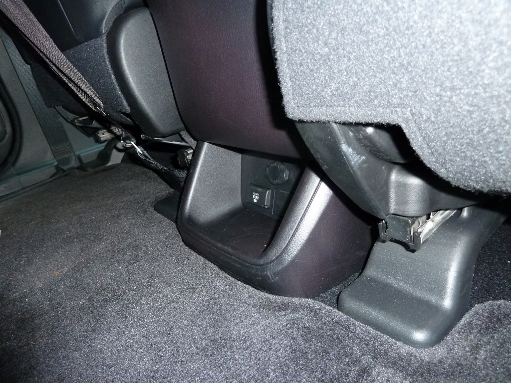 Toyota Highlander Owners Manual: Child restraint systems with a top tether strap