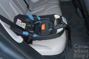 Aton Q seat belt Tesla S