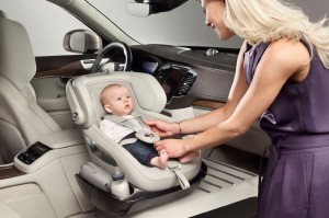volvo-xc90-excellence-child-seat-concept-1