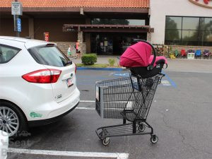 Car-Seat-on-top-of-shopping-cart