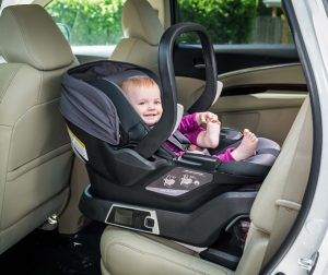 4moms - carseat with baby in vehicle