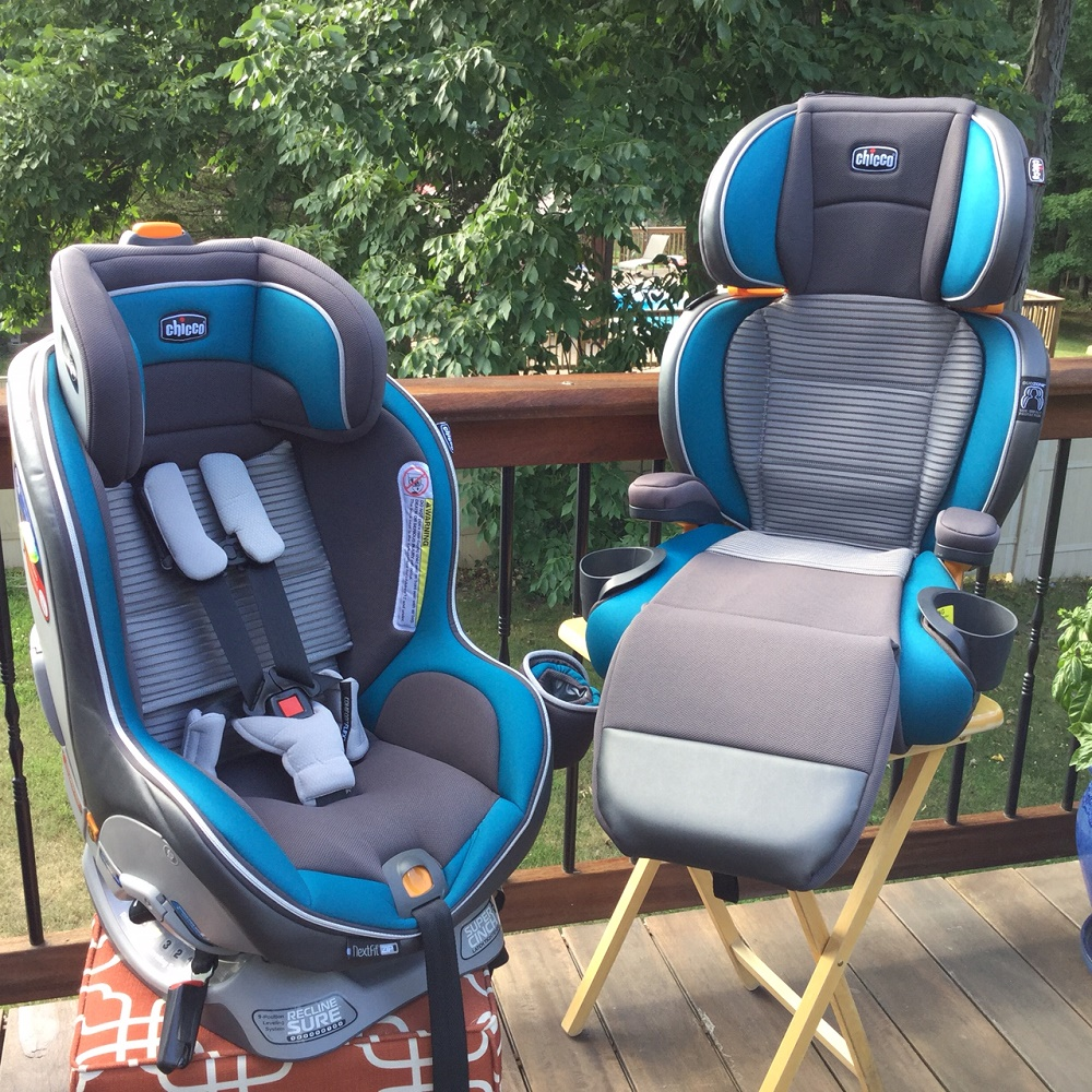 The car seat is very cute, my daughter loves it. I live in Arkansas, so people here love the hunting designs. The car seat comes with a black cup holder and a booklet to explain each piece of the car seat.