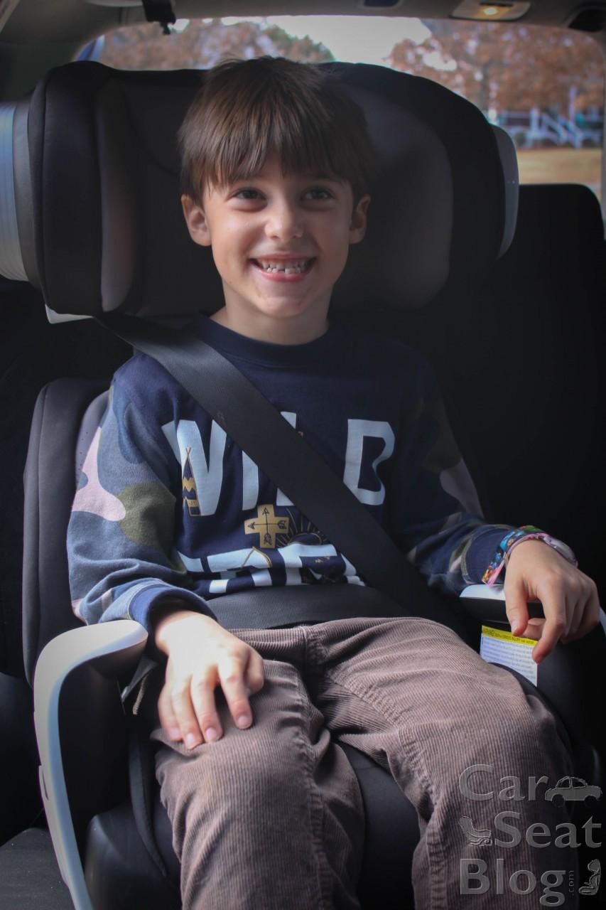 Fuchsia Shock Evenflo Spectrum 2-in-1 Booster Car Seat